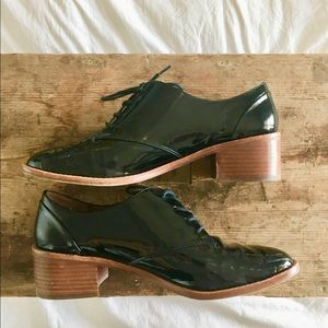 Louise et Cie Patent Leather heeled Oxfords 💕